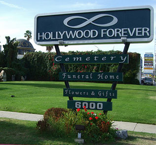 hollywood-forever-sign