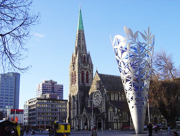 cathedral-square-christchurch-new-zealand