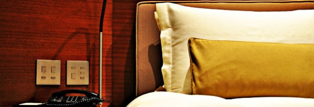 hotel-room-bed-642x220